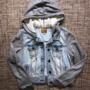 American eagle denim jacket size medium